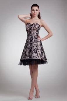 Lace Sweetheart Knee Length Dress