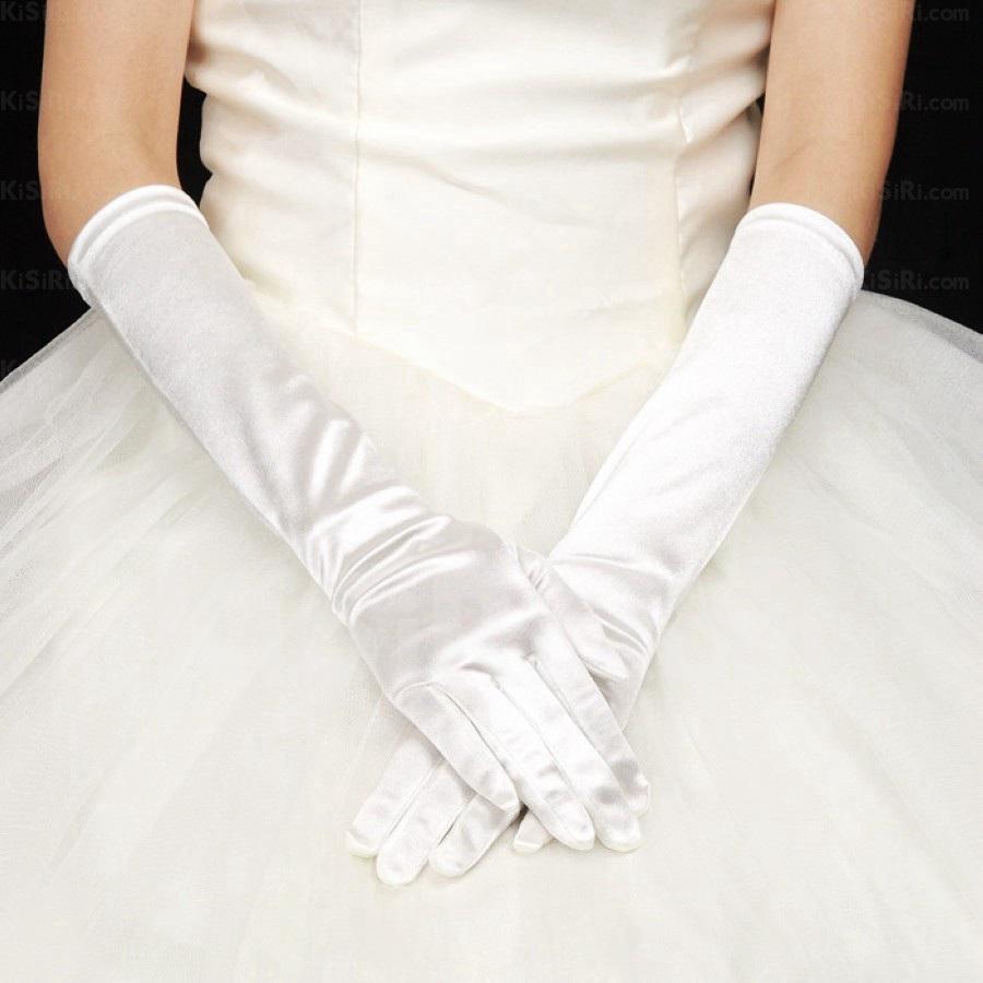 http://www.kisiri.com/23968-48132/fingertips-bridal-gloves-.jpg